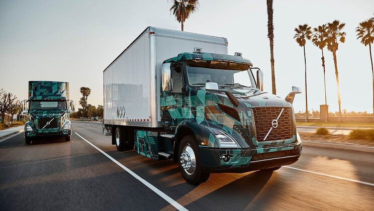 Volvo Trucks in North America demonstrate electric heavy duty trucks